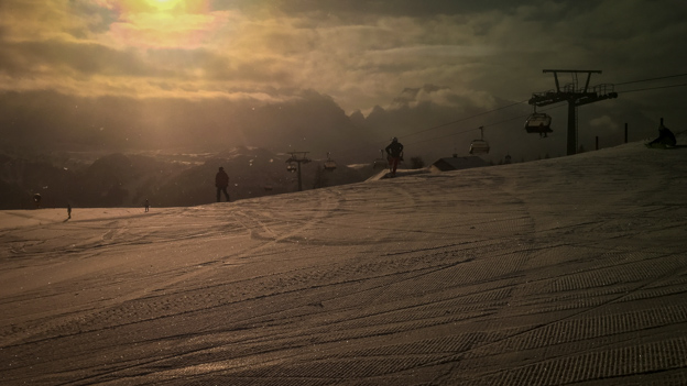 MorningOnSlopes_001.jpg