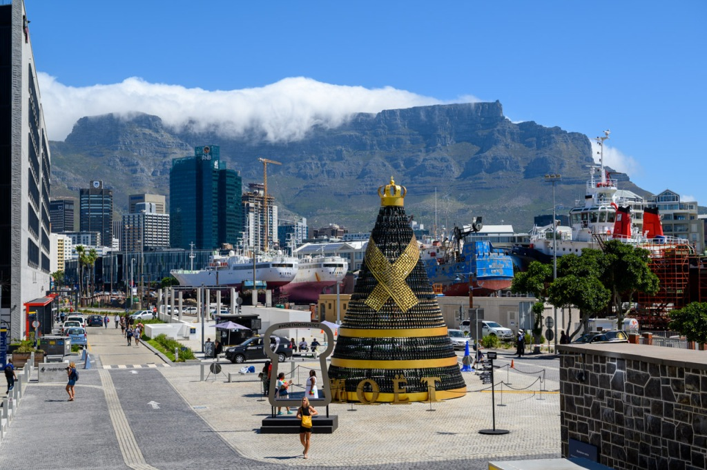 Victoria & Albert Waterfront view of Cape Town